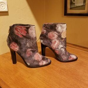 Joie Velvet Ankle boots size 39.5